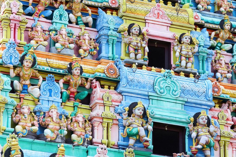 Sri Mariamman temple in Singapore.jpeg